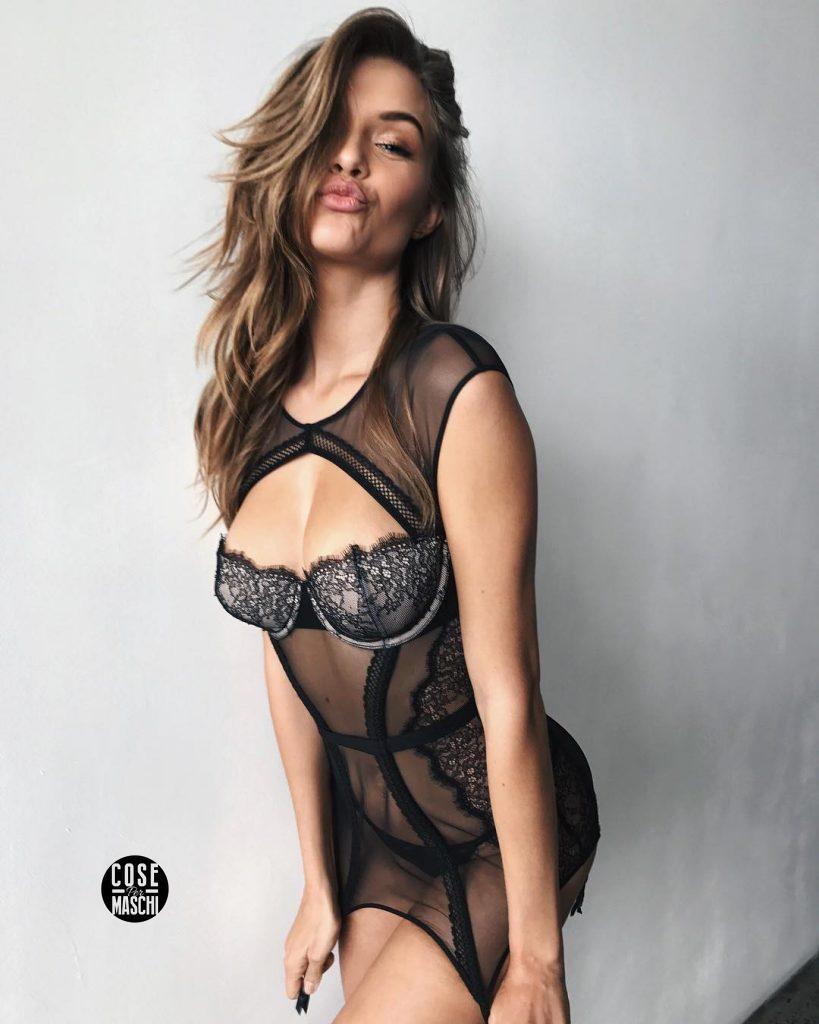 Josephine Skriver modella