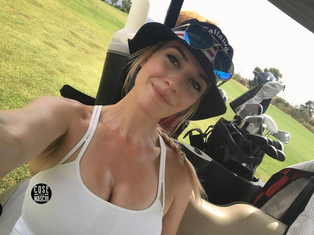 Paige Spiranac sorriso