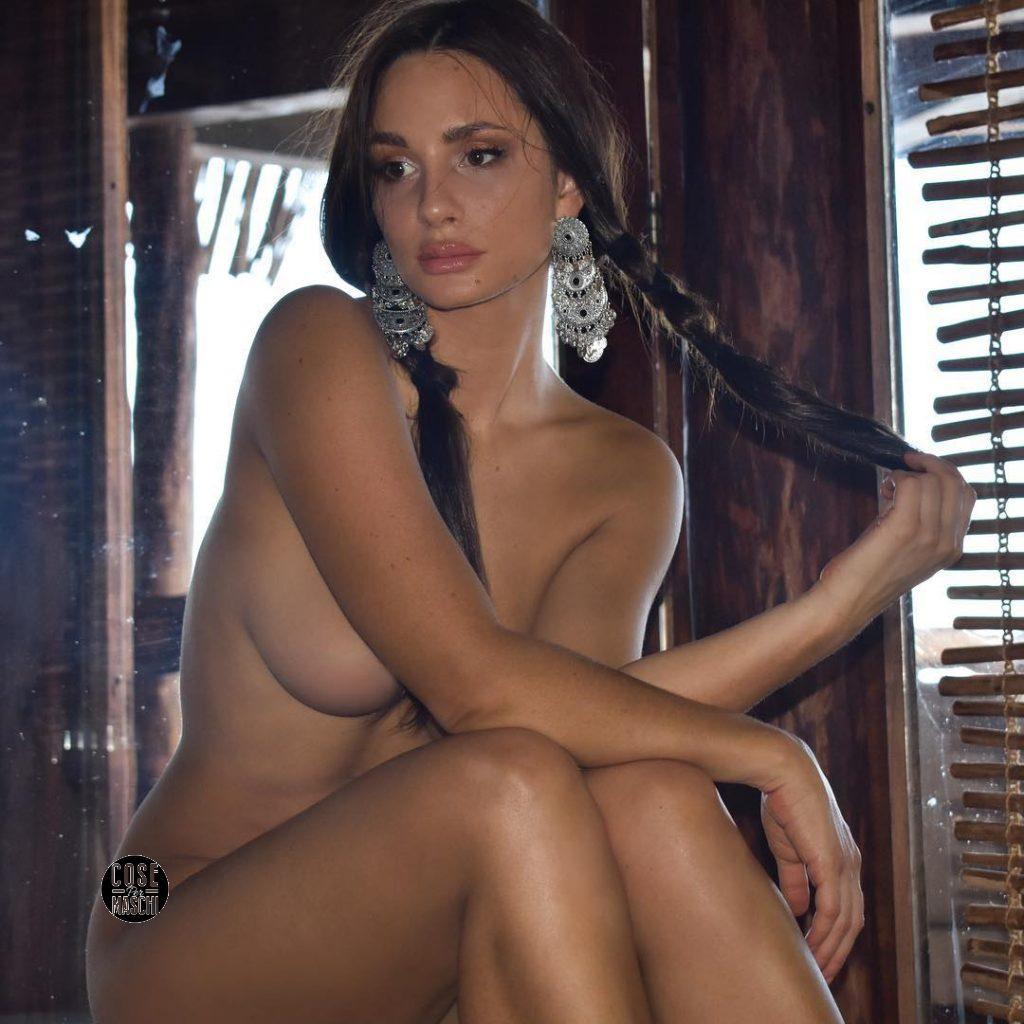 Rosie roff nuda